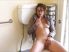 Amateur Brunette Masturbation