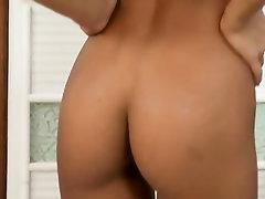 Babe Big Tits Feet Masturbation Teen